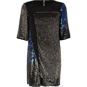 Schwarzes T-Shirt-Kleid mit Paillettenbahnen