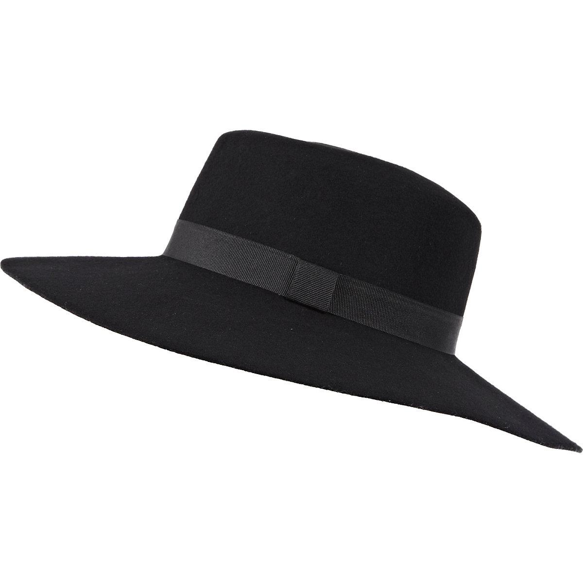 Black ribbon trim shaker hat