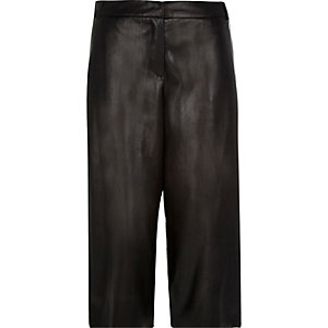 Black leather-look culottes