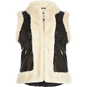 Black leather-look vest