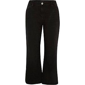 Black cropped raw hem flare jeans