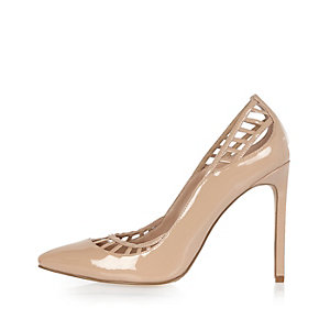 Nude patent lattice panel court heels