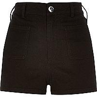 Short en jean noir taille haute