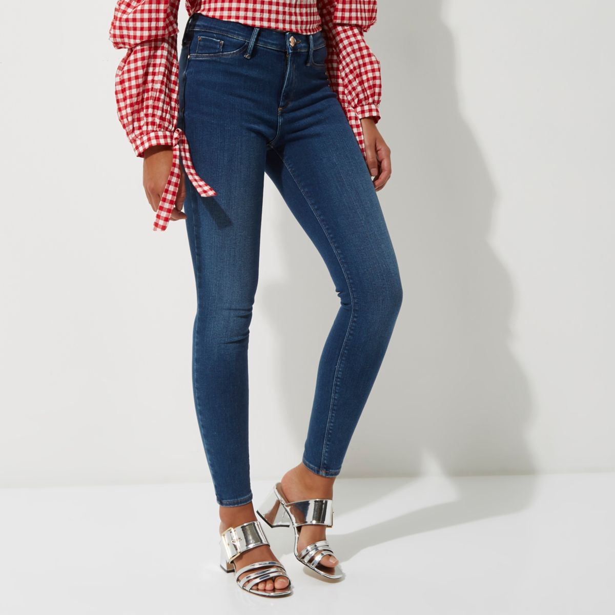 Molly – Satin-Jeggings in mittelblauer Waschung