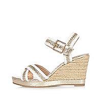 Chaussures tissées blanches à talons compensés