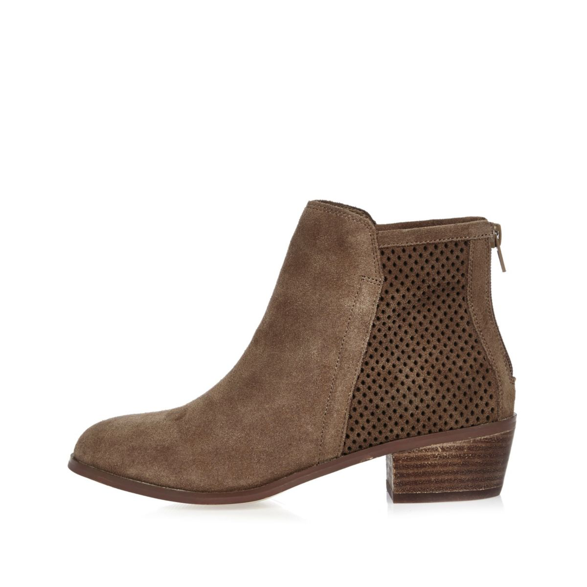 Bottines en daim marron à perforations