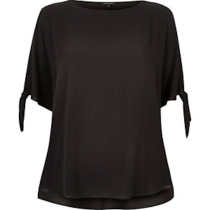 Black split sleeve t-shirt