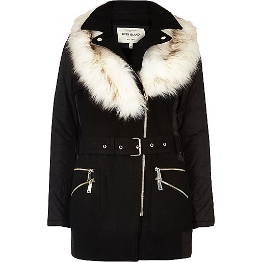 Manteau matelassé noir à col en fausse fourrure