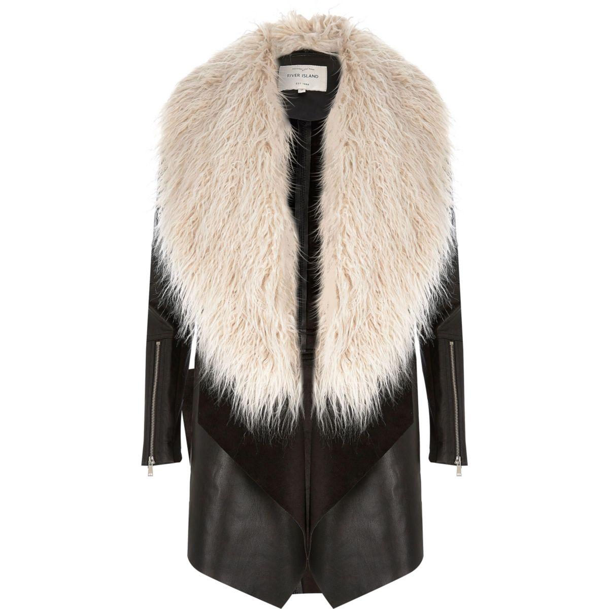 Schwarzer Mantel mit Kunstfellbesatz