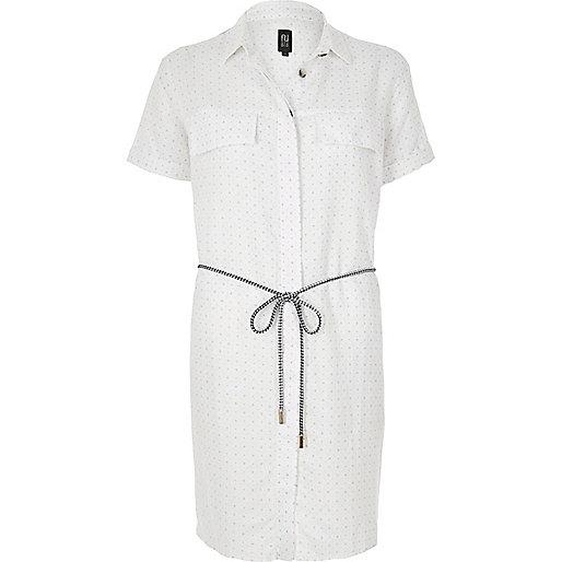 Weißes Blusenkleid mit hohem Leinenanteil