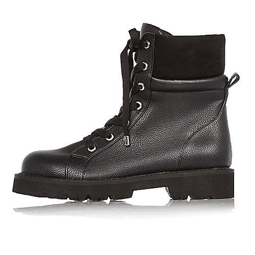 Schwarze Utility-Stiefel