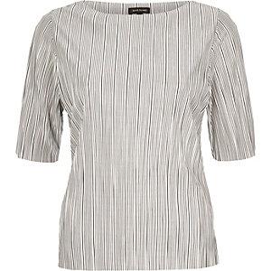 White stripe pleated top