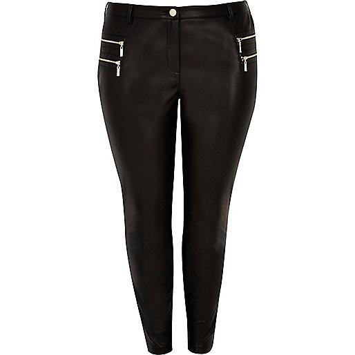 Plus – Schwarze Hose im Leder-Look mit Reißverschluss