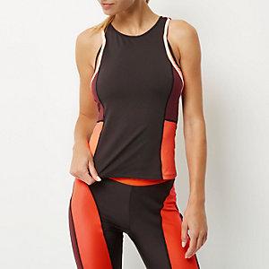 RI Active zwart aansluitend fitnesshemdje met kleurvlakken