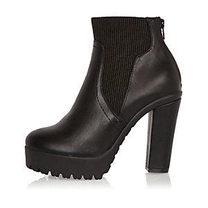 Black chunky heeled Chelsea boots