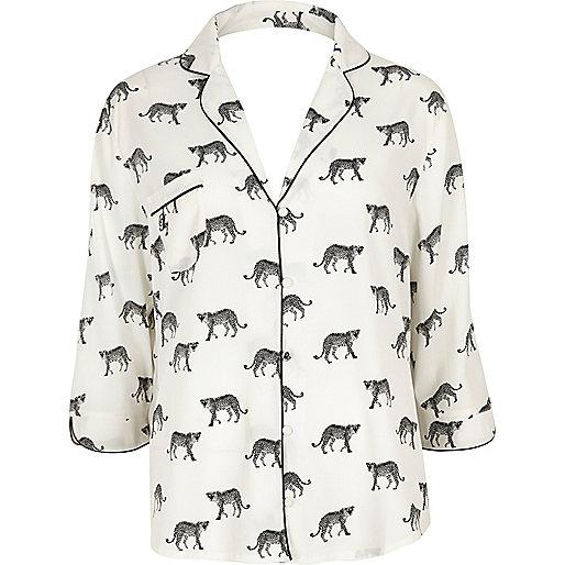 Weißes Pyjamaoberteil mit Cheetah-Print