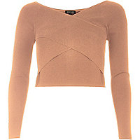 Schulterfreies Crop Top in Wickeloptik in Nude