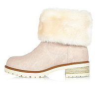 Light pink faux fur lined chunky boots