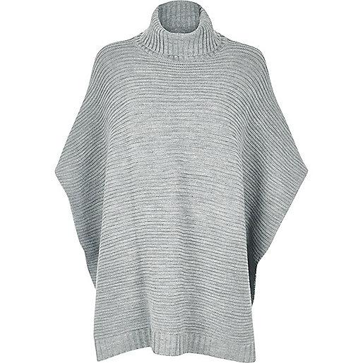 Poncho gris en maille côtelée
