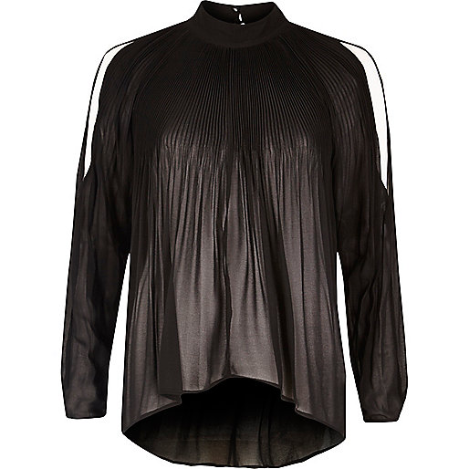 Schwarze, langärmlige Bluse mit Schulterausschnitten