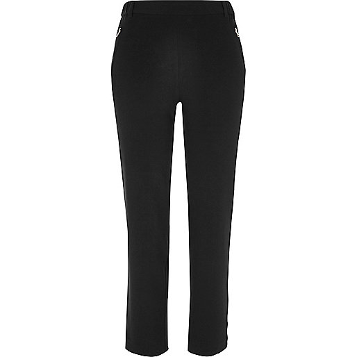 Black tapered pants