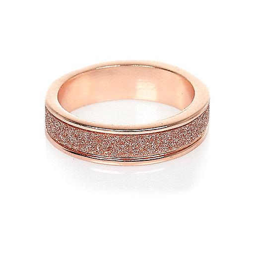 Glitzernder Ring in Roségold