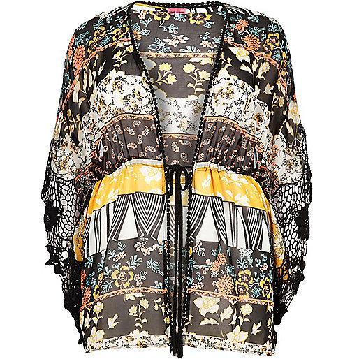 Plus – Schwarzer, bedruckter Kimono mit Kordelzug