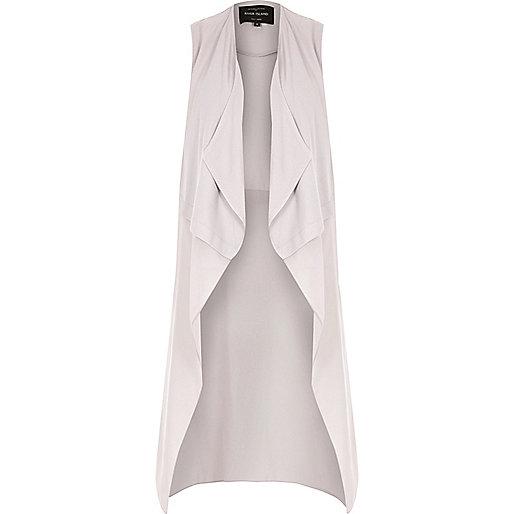 Manteau long sans manche en mousseline grise