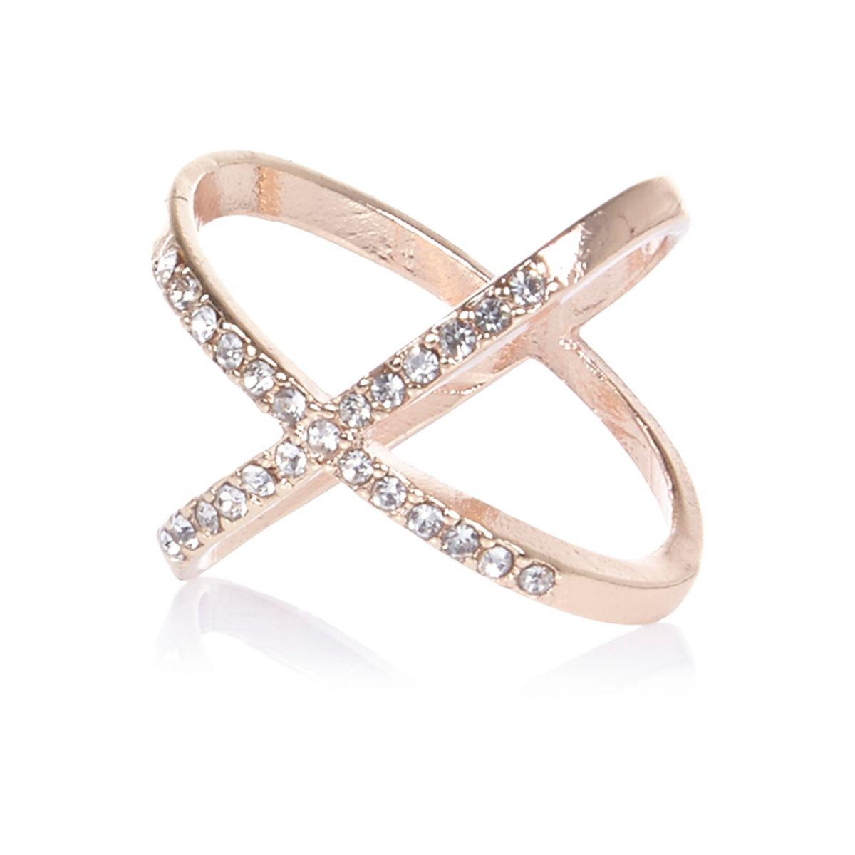 Rose gold tone rhinestone kiss ring