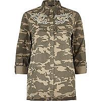 Braunes, besticktes Shacket mit Camouflage-Muster