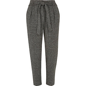 Grey soft tie tapered pants