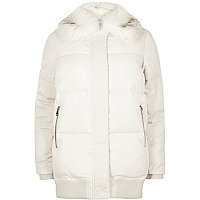 Cream puffer coat with faux fur trim