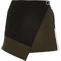 Black color block wrap skort