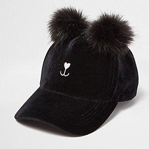Black pom pom kitty cap