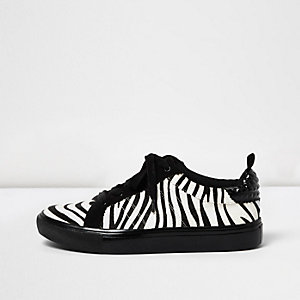Black zebra print lace-up sneakers