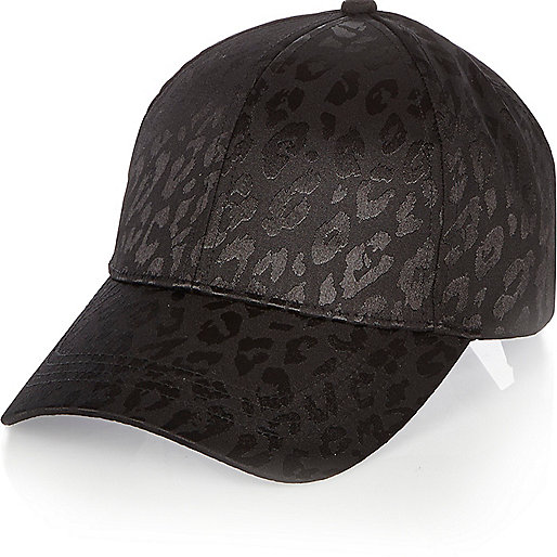 Black animal print cap