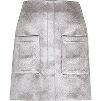 Silberner Samt-Minirock mit Tasche