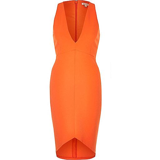 Kleid mit tiefem Ausschnitt in Orange