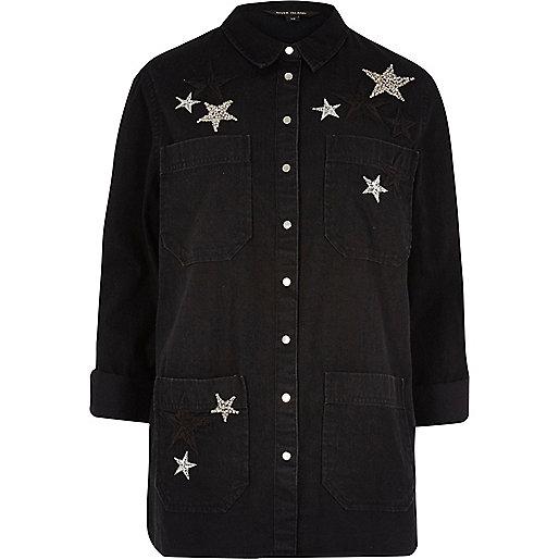 Veste-chemise noire en jean ornée d'étoiles