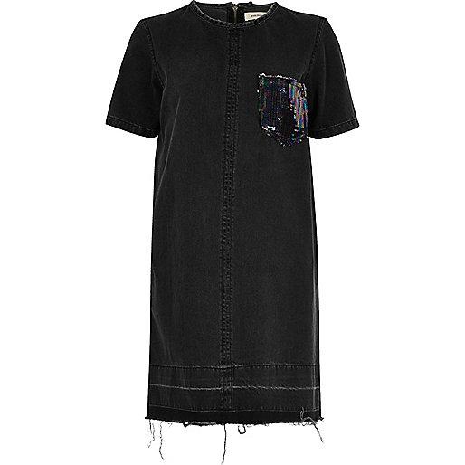 Zwarte denim jurk met zak met lovertjes
