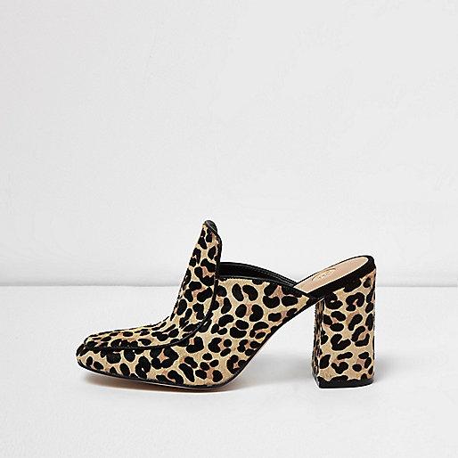 Mules imprimé léopard à bout fermé et talons carrés