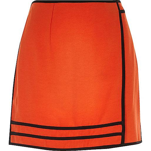 Mini-jupe style sport rouge