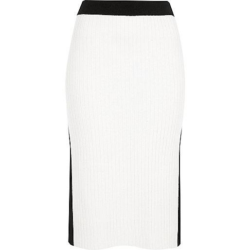 Jupe mi-longue style sportif noire et blanche