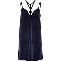 Mini-robe en velours bleu marine avec bretelles en T