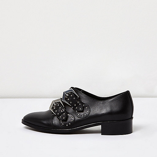 Black studded buckle shoes