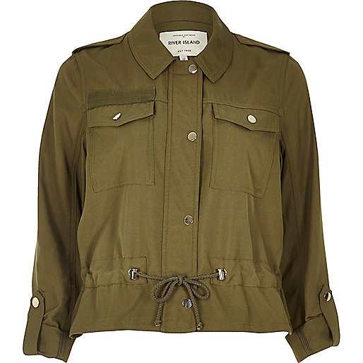 Leichte Jacke in Khaki mit Kordelzug