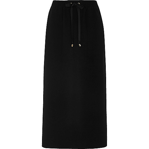 Black utility pocket midi skirt