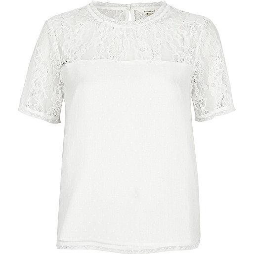 T-shirt blanc avec empiècement en dentelle