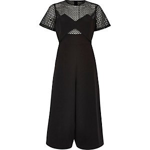 Zwarte broekrok-jumpsuit met kant