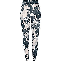Schwarze Pyjama-Hose mit Midsummer-Muster